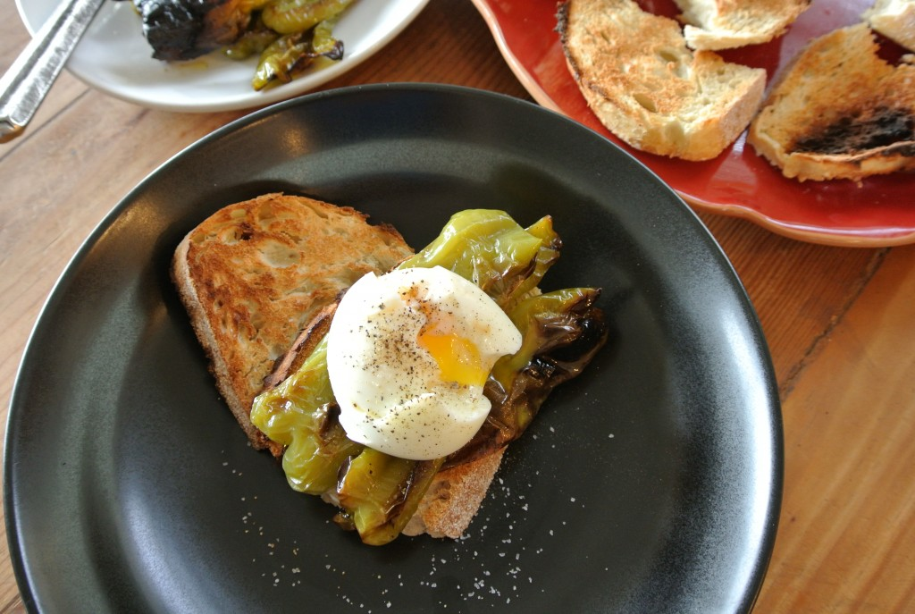 cucinadimammina_roasted cubanelle peppers_soft-cooked egg rustic toast