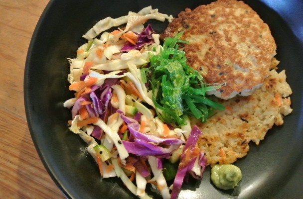 cucinadimammina_asian chicken patties_rice cakes & coleslaw_9