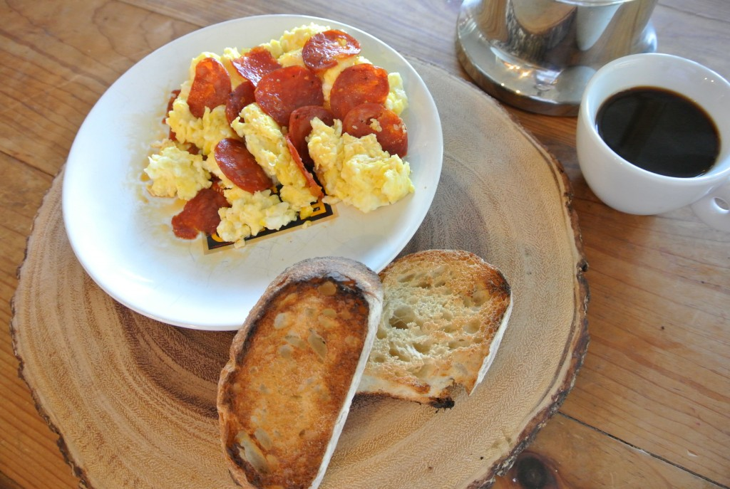 cucinadimammina_scrambled eggs with spicy dry-cured calabrese sausage_29